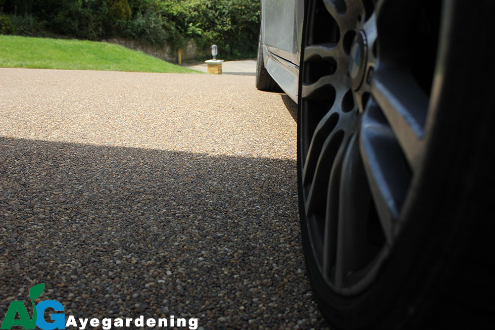 Close-Up-Resin-Bound-Driveways